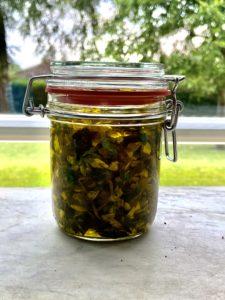 Johanniskraut in Olivenöl